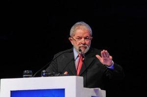 O ex-presidente Lula é aposentado por invalidez