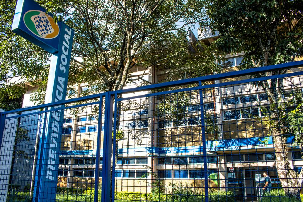 Agências do INSS serão reabertas somente em 3 de agosto