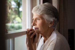 INSS: dona de casa que nunca contribuiu pode se aposentar?